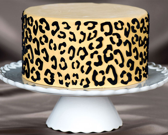 How To Make A Leopard Print Cake With Fondant